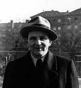 Carlo Mierendorff mit Hut