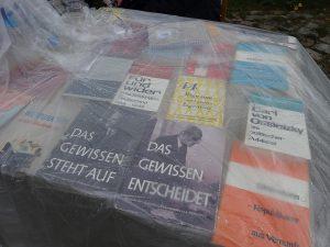 """Bücher """"Das Gewissen steht auf"""" u.a."""